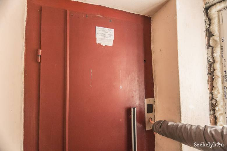 Felújítják a lifteket, ahol szükséges pedig új felvonót vásárolnak a sepsiszentgyörgyi tömbházakban