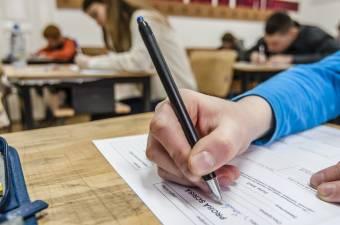 Tanügyminiszter: egyelőre nem változik a középiskolai felvételi módszertana