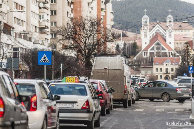 Forgalomszabályozást terveznek a csíkszeredai Kossuth Lajos utcában