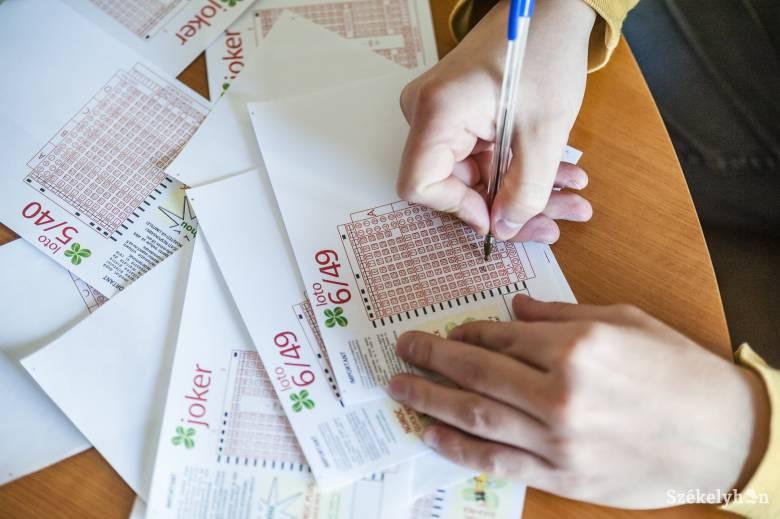 1,7 millió eurót nyert a lottón