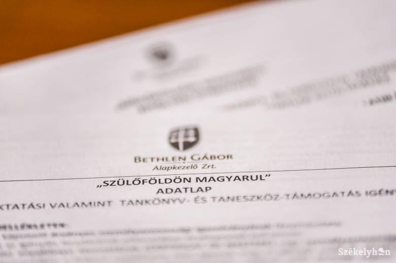 Októberig meghosszabbították a Szülőföldön magyarul program igénylésbenyújtási határidejét