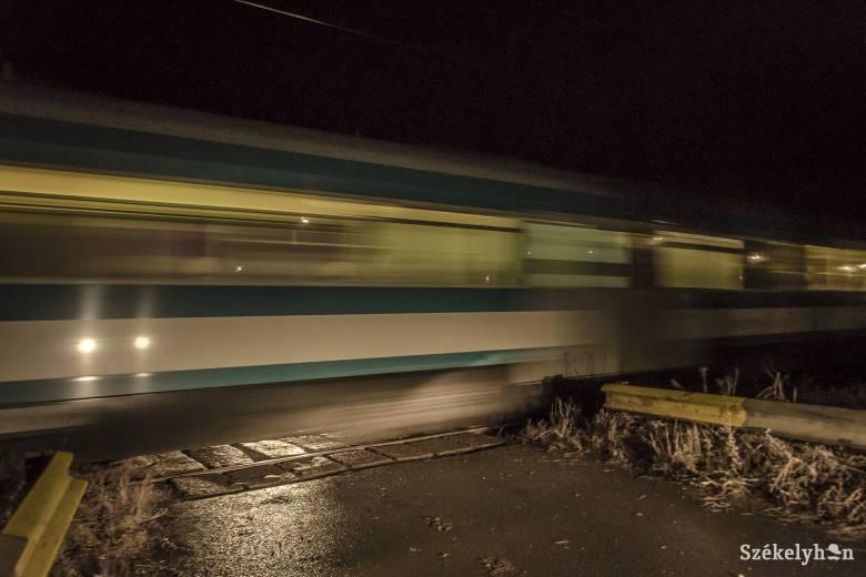 Halálra gázolt a vonat egy 19 éves fiatalt a csíkszeredai vasútállomáson