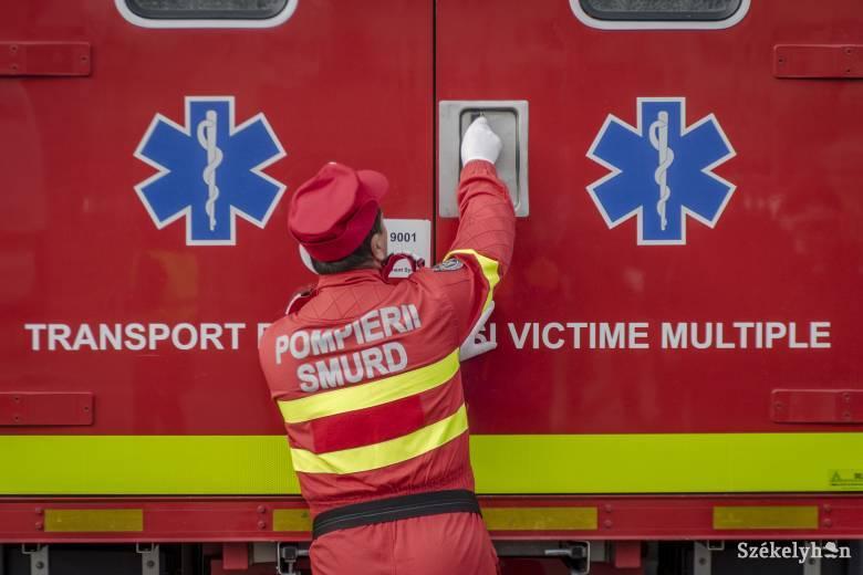 Felborult egy személyautó, négyen megsérültek