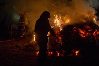 Felcsíkon és Székelyudvarhelyen kellett közbelépniük a tűzoltóknak