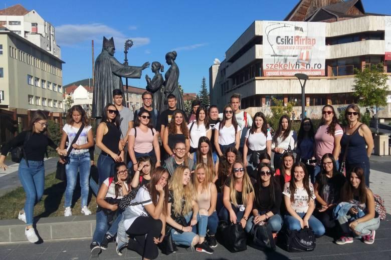 Határon túl ünnepelhetik a nemzeti összetartozás napját a Kárpát-medencei magyar diákok