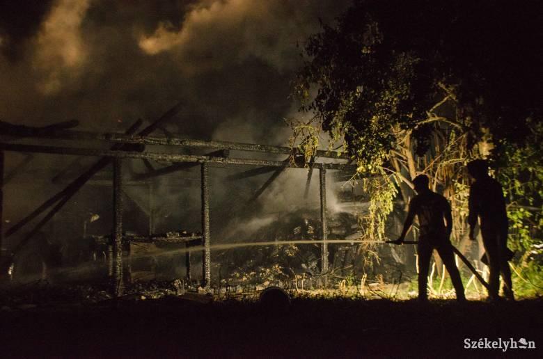 Félmillió lejes kár keletkezett az oroszhegyi tűzvészben