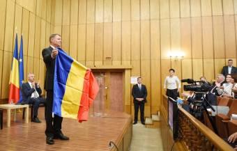Számos román véleményformáló nem tudja hova tenni Johannis elvadult nacionalizmusát