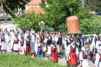 Megoldást kér a hatóságoktól a csíksomlyói zarándokok fogadására Korodi Attila