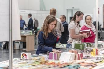 Gondot okoz a kiadóknak a csíkszeredai és kolozsvári könyvvásár egymásra szervezése
