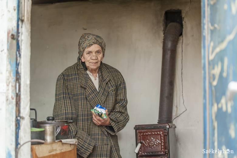A nehéz helyzetben élő Klári és Olga néni megsegítésére gyűjtenek