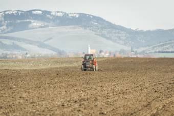 Bírálják a gazdák a kiszámíthatatlan agrártámogatást – Több haszonnövény termesztését is kiemelten szorgalmazza az APIA