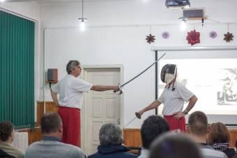 Bemutató elődeink harcművészetéről
