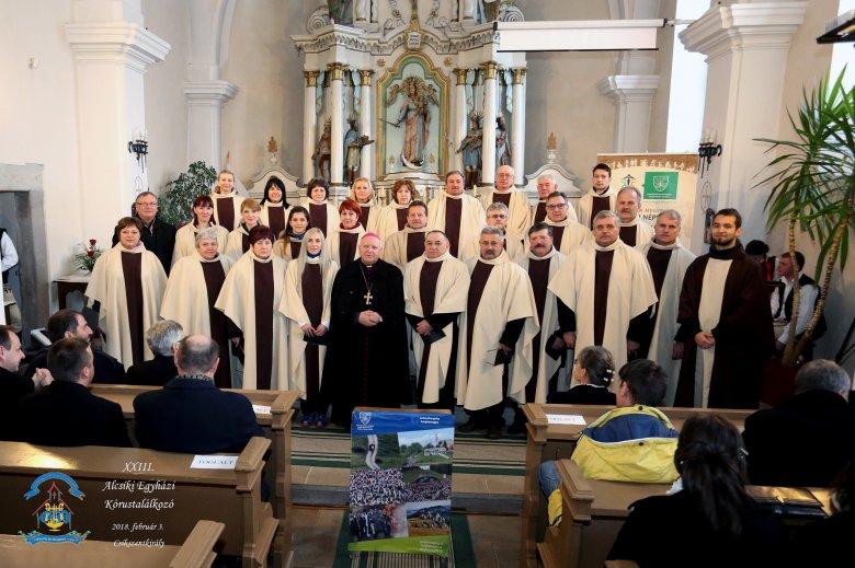 Csíkzsögödi Szentháromság Egyházi Kórus: öröm számukra, hogy énekelhetnek