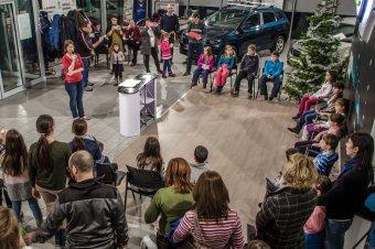 Rajzaikkal varázsolják szebbé a nélkülözők karácsonyát