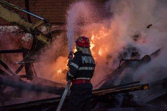 Rendellenességeket találtak a katasztrófavédelem munkájában a konstancai tűzeset kapcsán