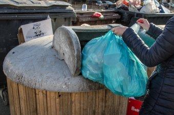 Tizenkét lejre emelné februártól a hulladékszállítási díjat az Eco-Csík