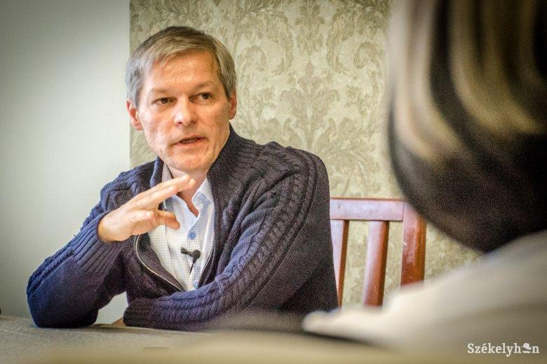 """Cioloș a jövőről szeretett volna beszélni, de folyton a múltbeli """"szerencsétlen döntései"""" kerültek szóba"""
