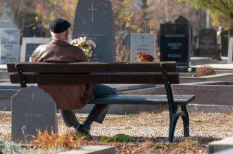 Élet a halál után: ne csak a temetéskor álljunk a gyászolók mellé