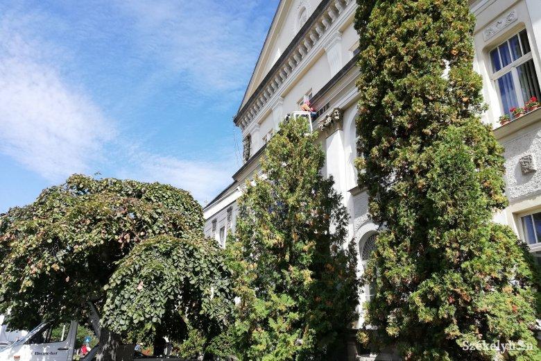 Levették a Városháza feliratot Csíkszeredában