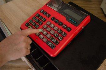 Az új típusú pénztárgépek üzembe helyezését ellenőrzi március 15-től az adóhatóság (ANAF)