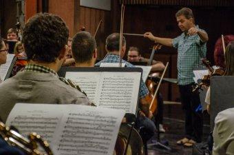 Csíkszeredában lép fel a világhírű Denis Shapovalov csellista