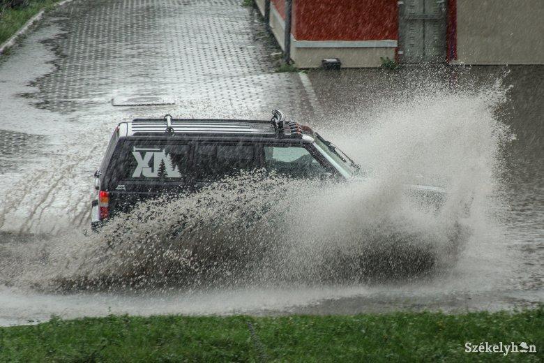 Tíz megye tizennyolc településén okozott károkat az időjárás az elmúlt 24 órában
