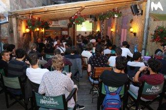 Kocsmák és éttermek, ahol egy hónapig szinte minden a fociról szól