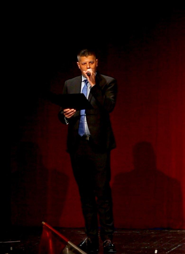 Erdélyben turnézik a Budapesti Showszínház – Interjú Tóth Ádám színházigazgatóval (x)