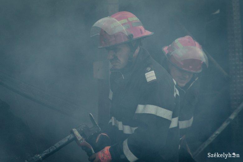 Tűz ütött ki egy sepsiszentgyörgyi tömbházban