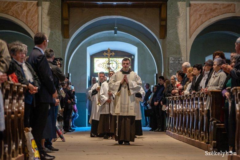 Hívei körében ünnepelte pappá szentelésének 50. évfordulóját Tamás József püspök