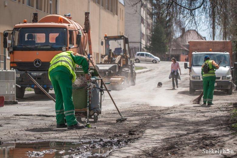 Felfüggesztik a tavaszi nagytakarítást Csíkszeredában