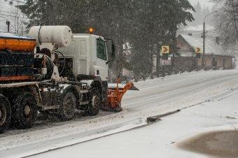Havazásra, magaslati hóviharokra figyelmeztetnek, nem unatkoznak a hegyimentők