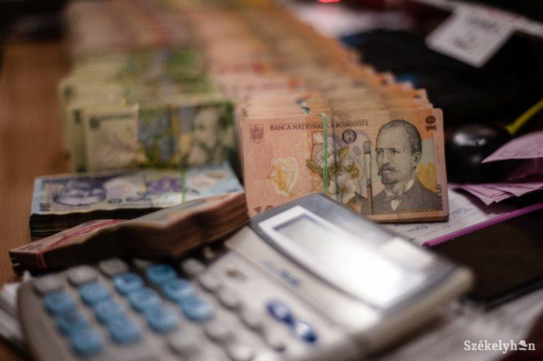Újra kell számolni a várható bevételeket, le kell faragni a kiadásokból