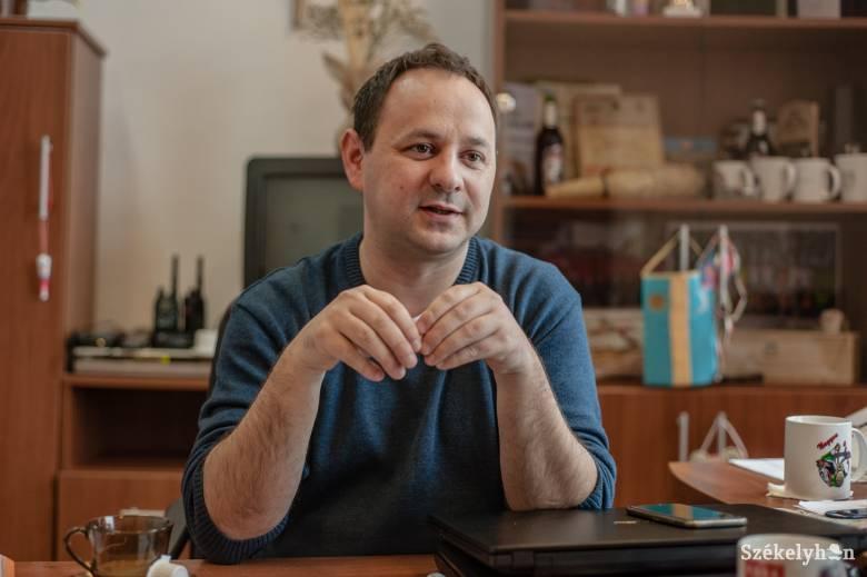 Koronavírus által okozott tüdőgyulladással küzd a csíkszentsimoni polgármester