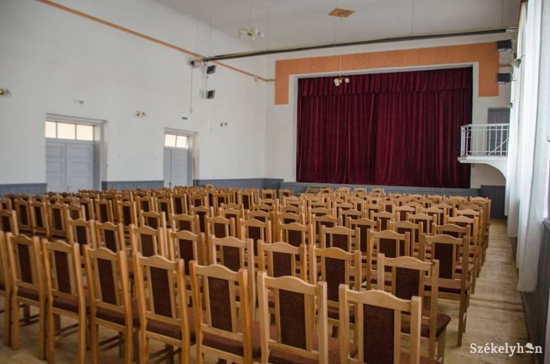 62 ezer euróból vásároltak eszközöket a borzsovai művelődési ház részére