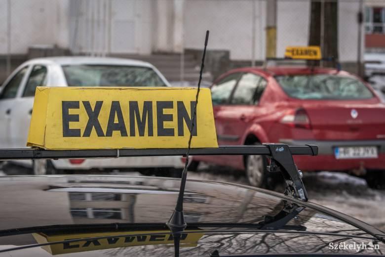 """Már """"csak"""" két hónapot kell várakozniuk a tanulóvezetőknek az elméletitől a gyakorlati vizsgáig"""