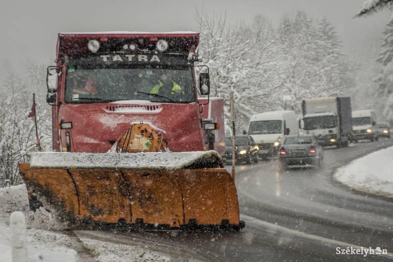 Idejében megkötik a hóeltakarítási szerződéseket Maros megyében, Vásárhelyen azonban még vannak gondok