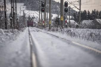 Csíkszeredai fiatalt gázolt el a vonat Csíkzsögödben
