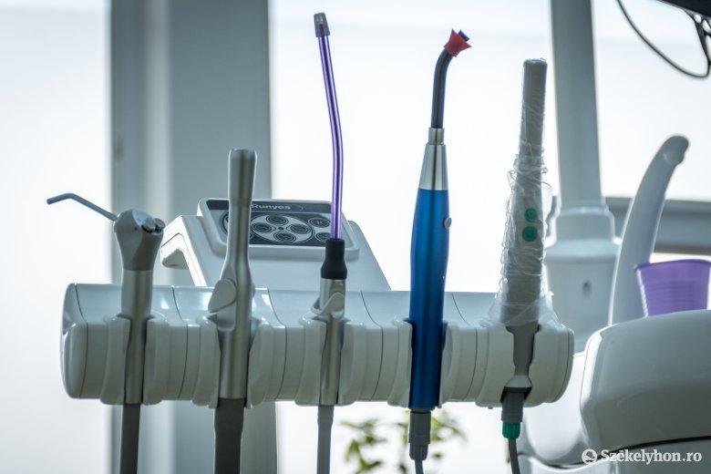 Így oldották meg a sürgősségi fogorvosi ellátást a járványügyi helyzetben
