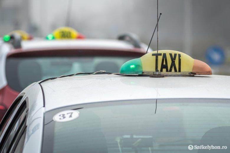 Taxisok segítenek az időseken Marosvásárhelyen