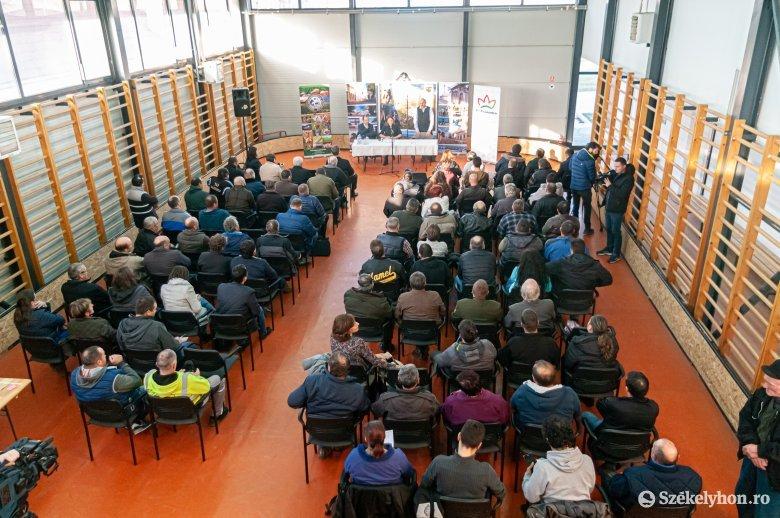 Kis területen nagy haszon: gazdakonferencia a Szatmár megyei Lázáriban