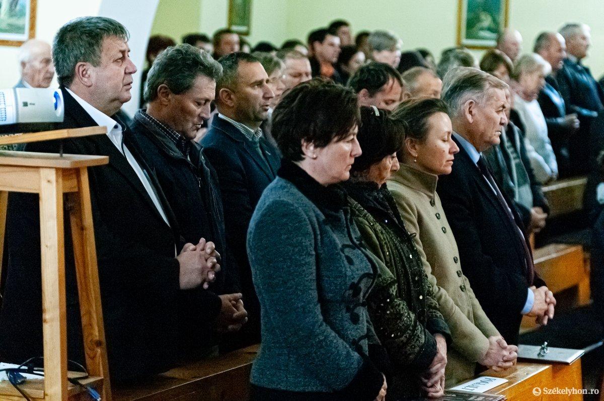 https://media.szekelyhon.ro/pictures/csik/aktualis/2019/02_november/o_lezsak_sandor_gyimeskozeplok-ga-10.jpg