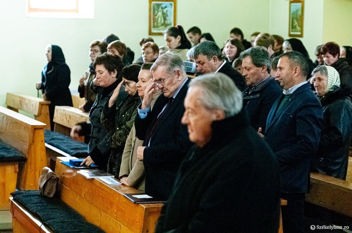 https://media.szekelyhon.ro/pictures/csik/aktualis/2019/02_november/o_lezsak_sandor_gyimeskozeplok-ga-12.jpg