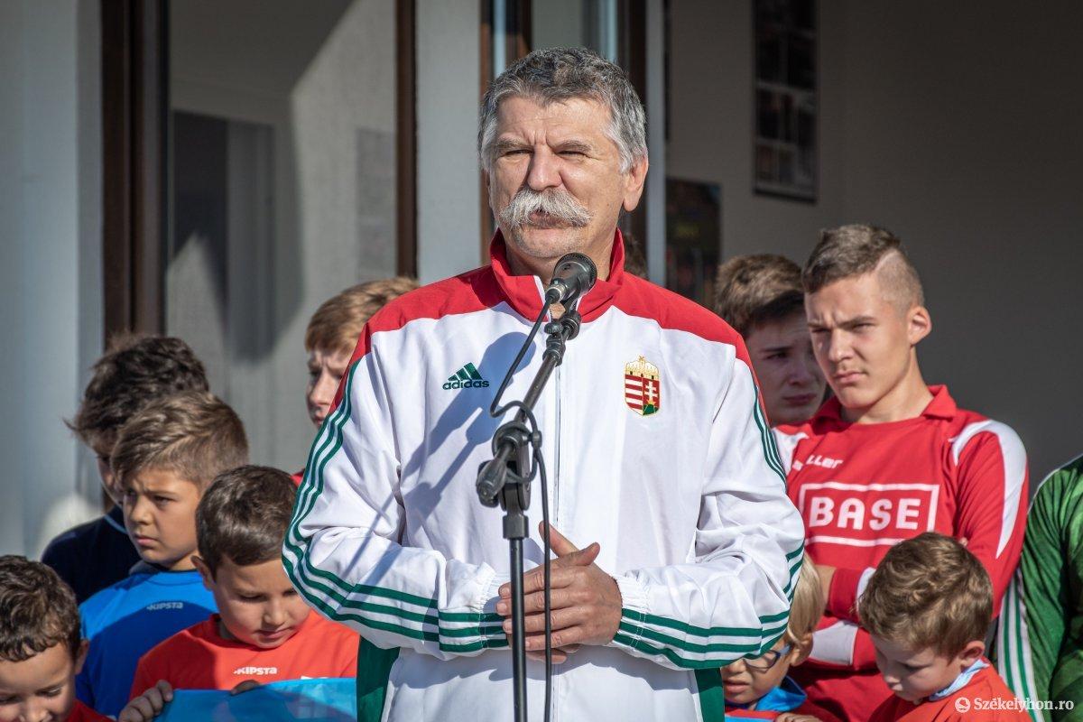 https://media.szekelyhon.ro/pictures/csik/aktualis/2019/03_oktober/o_buzanszkyjeno-sportkozpont-pnt-11.jpg