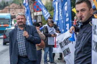 Országszerte tiltakoznak a bérbefagyasztások ellen a rendfenntartó erők szakszervezetei