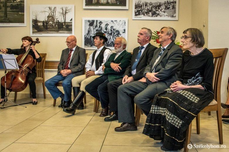 Magyar állami kitüntetésekkel ismerték el a közösségükért tevékenykedő személyiségek munkáját