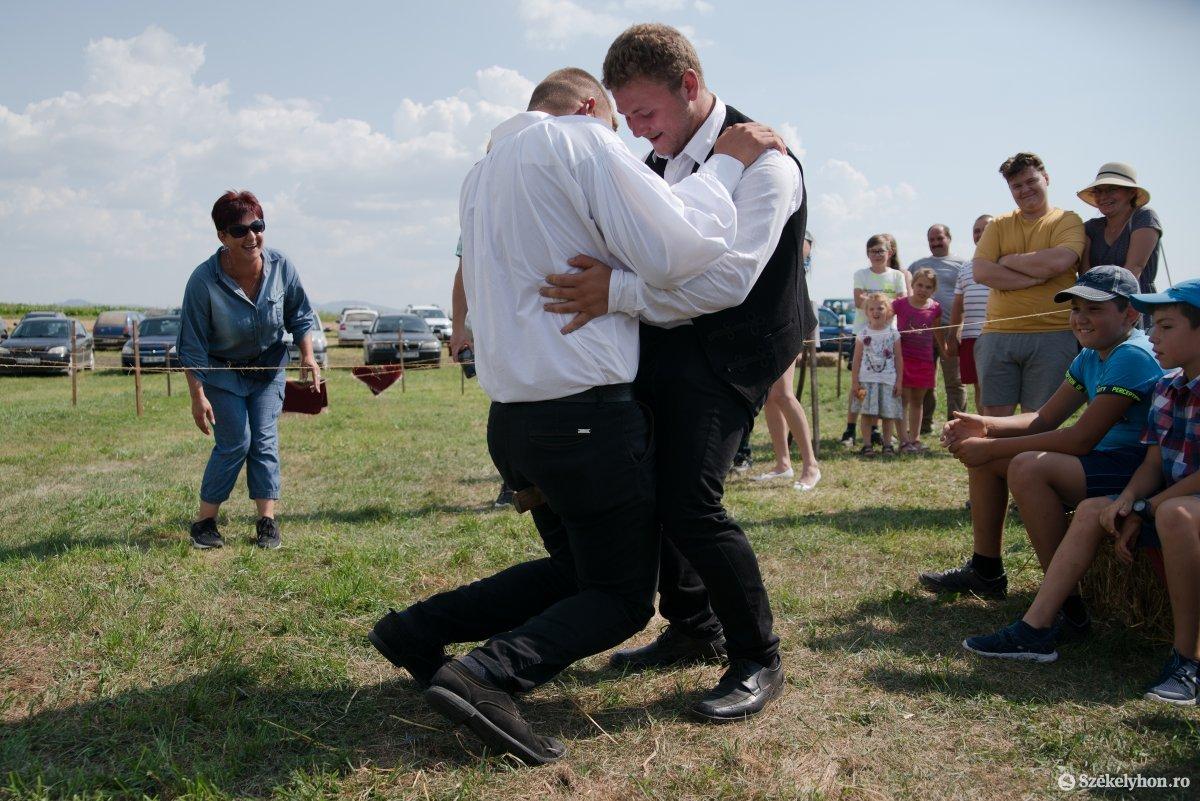 https://media.szekelyhon.ro/pictures/csik/aktualis/2019/05_augusztus/o_falun_az_olimpia_ga-19.jpg
