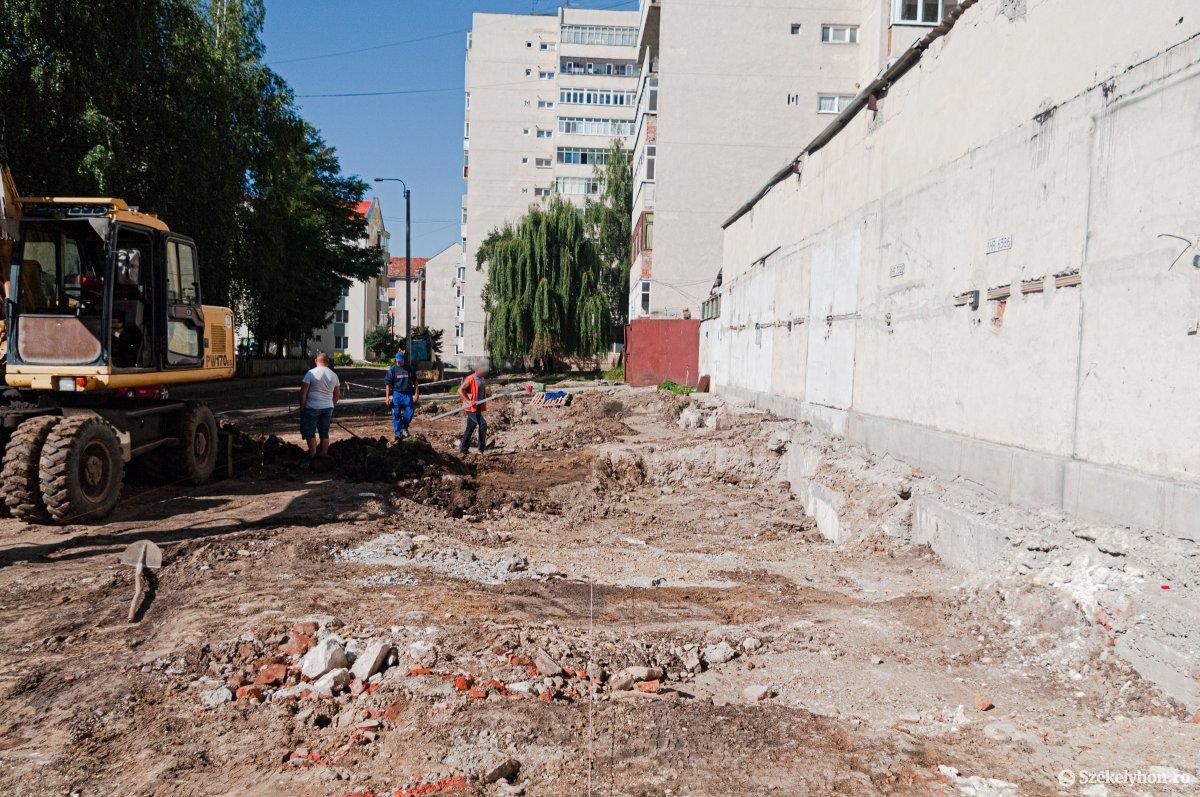 https://media.szekelyhon.ro/pictures/csik/aktualis/2019/05_augusztus/o_pacsirta_utca_renovalas_ga-2.jpg