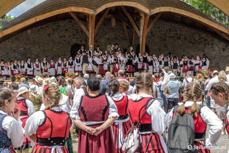 Mégsem maradnak kulturális és szabadidős rendezvények nélkül a csíkiak a nyár folyamán