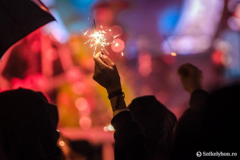 Tesztkoncertekkel kísérleteznek, hogy megmentsék a nyári fesztiválszezont Franciaországban